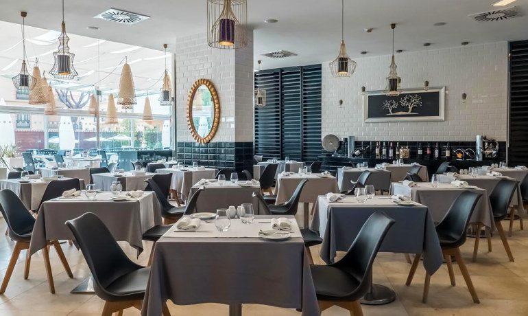 Aqua Pedra dos Bicos adults only restaurant