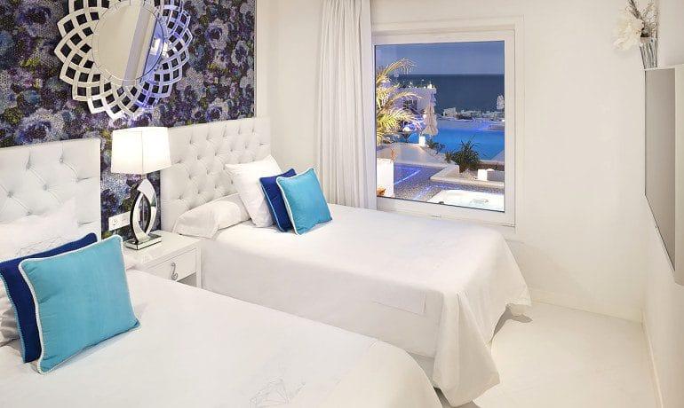 Lani's Suites de Luxe suite room