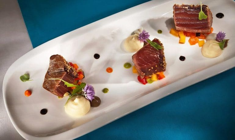 Lani's Suites de Luxe gastronomy