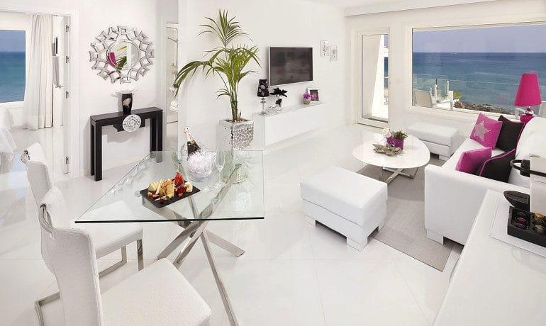 Lani's Suites de Luxe grand suite