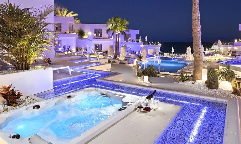 Lani's Suites de Luxe suite terrace view