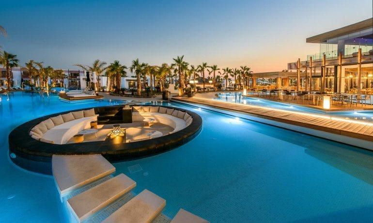 Stella Island Luxury Resort & Spa pool lounge