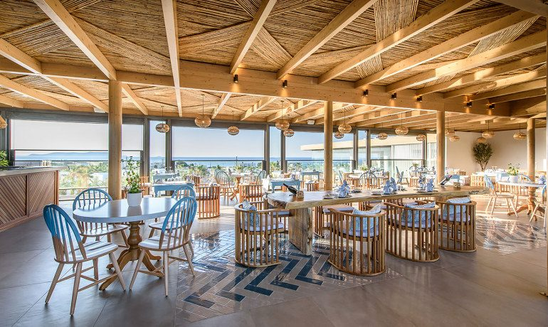 Stella Island Luxury Resort & Spa restaurant