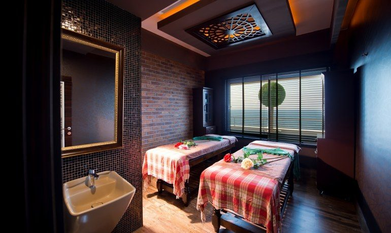 Numa Beach & Spa massage room