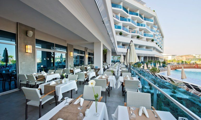 Numa Beach & Spa restaurant terrace