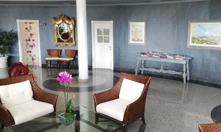 Colon Guanahani hotel lobby