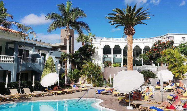 Colon Guanahani hotel pool area