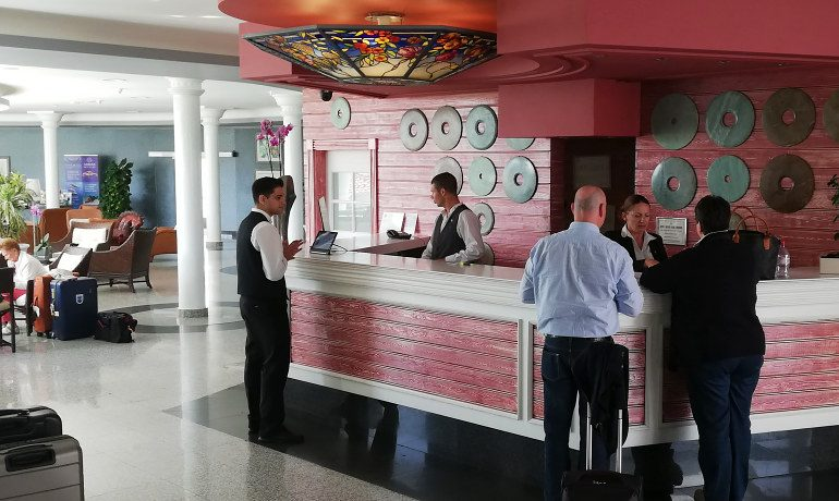 Colon Guanahani hotel reception