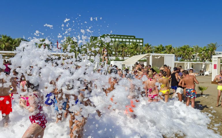 Adam & Eve Hotel Belek pool party