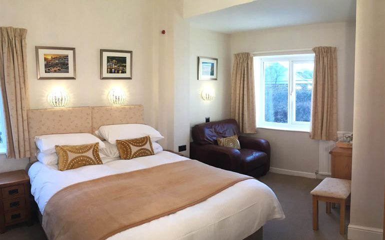 Channel View Boutique Hotel king deluxe ensuite room