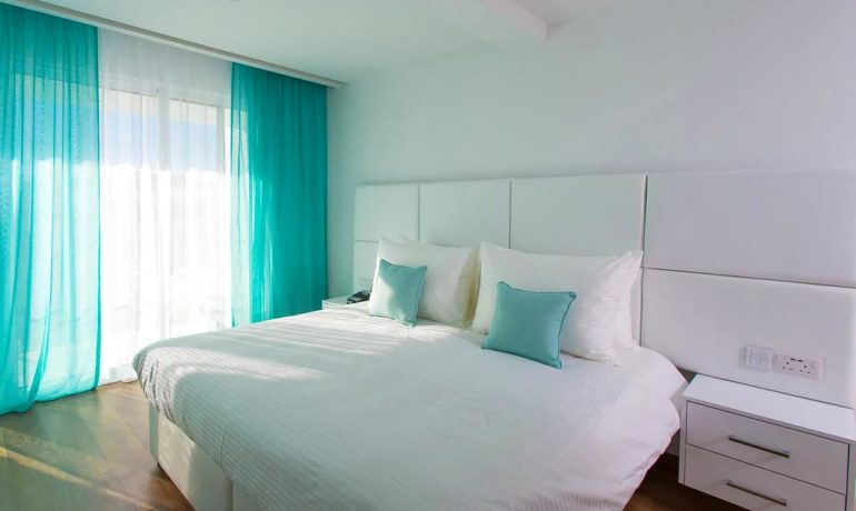 Napa Suites deluxe double room