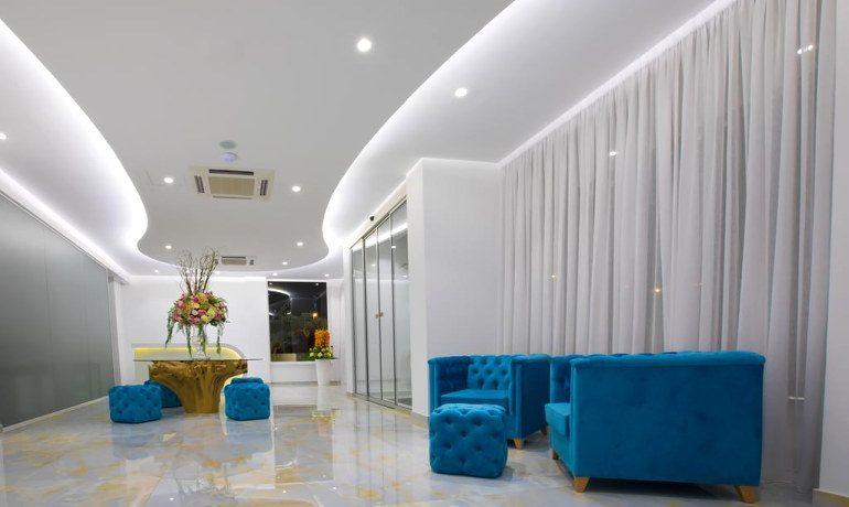 Napa Suites lobby area