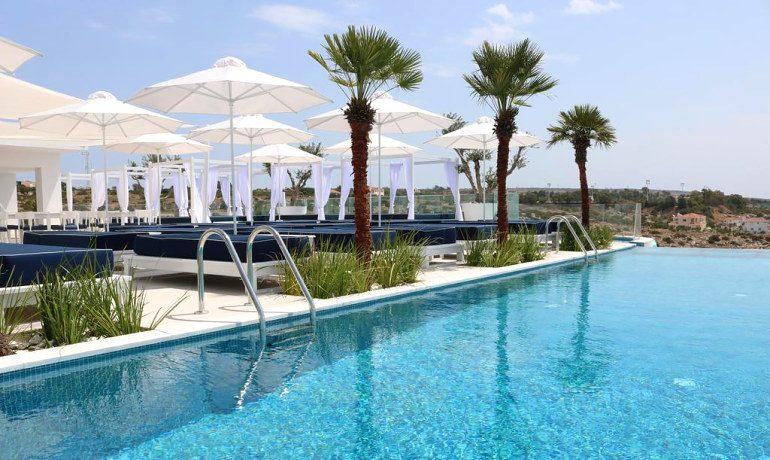 Napa Suites rooftop pool