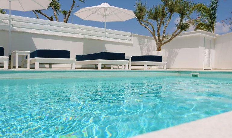 Napa Suites pool sunbeds